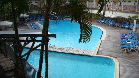 Carayou Hotel & Spa: vue de la piscine i