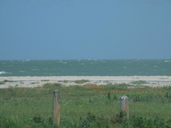 Days Inn Corpus Christi Beach: Less than a block from THIS!
