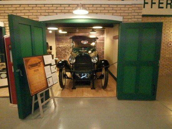 Kenosha History Center: 1917 Jeffery Model 671
