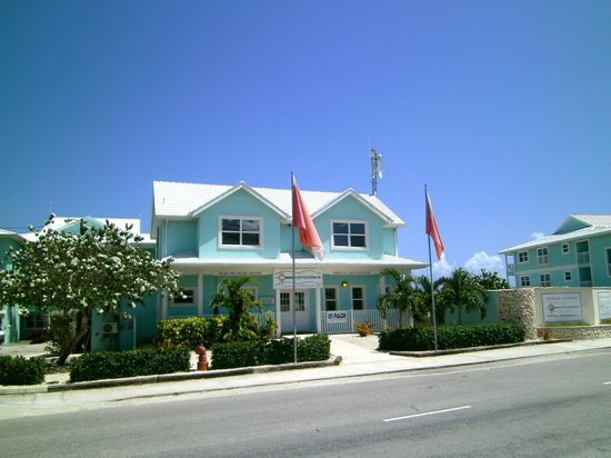 Compass Point Dive Resort: Out front