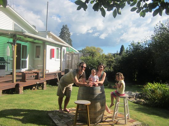 Hush Boutique Accommodation: Watch the kids playing while you knock back a wine!