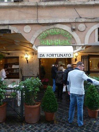 Da Fortunato al Pantheon: Restaurant front