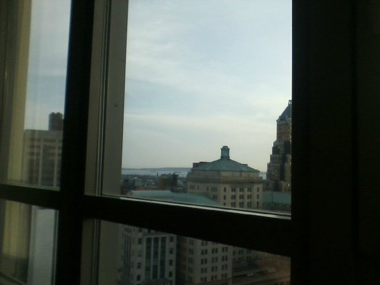 New York Marriott at the Brooklyn Bridge: view from the room