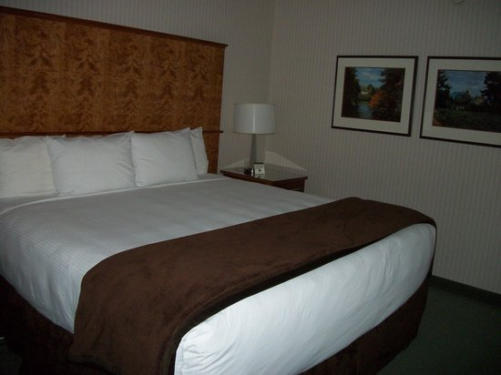 Mirabeau Park Hotel : Big comfy beds