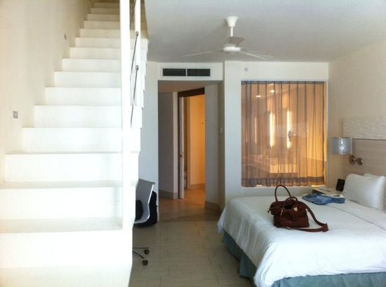 Hilton Puerto Vallarta Resort: Junior Suite with rooftop balcony and jacuzzi