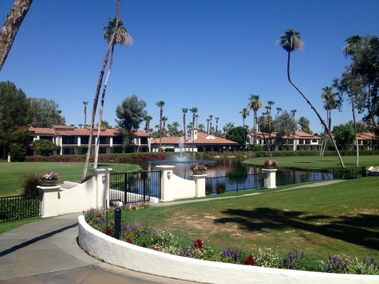 Omni Rancho Las Palmas Resort & Spa: Resort Grounds