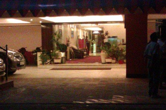 Hotel KRC Palace: Entrance
