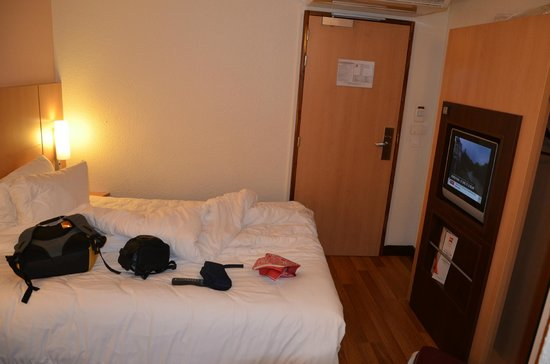 Ibis Paris CDG Airport: The room