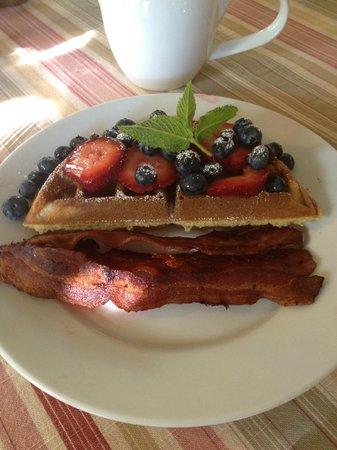 Old Crocker Inn: Breakfast Day2