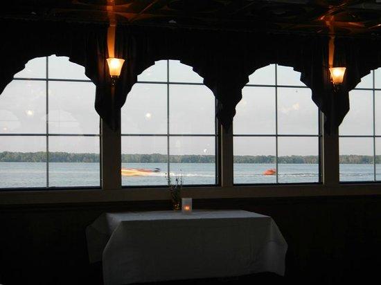 Pickwick Belle: Dining room