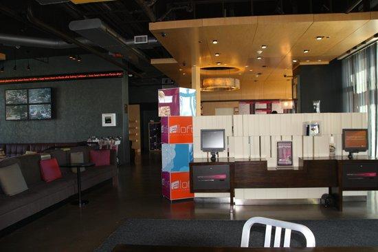 Aloft Ontario-Rancho Cucamonga: Lounge Area