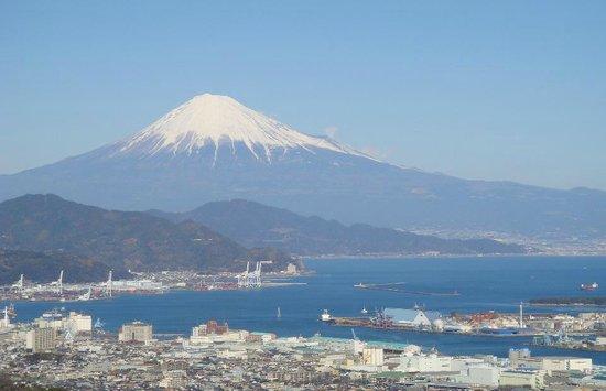 Nihondaira Ropeway: 青く輝く富士山