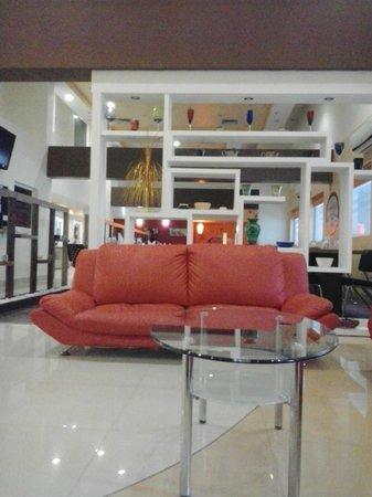 Ginger Ahmedabad : lobby