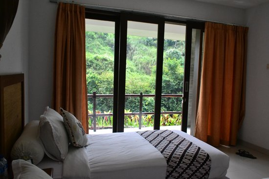 UMAH GRAN GUEST HOUSE: our room with a view, this is the deluxe at the hotel's lowest floor