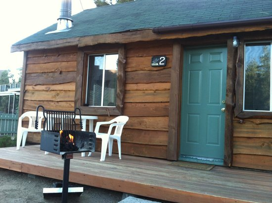 Quail Cove Lakeside Lodge: Cabin No. 2