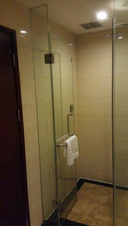 Jiayue Hotel Donghua Shenzhen : シャワーのみでバスタブはない