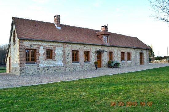 Tostes, Francia: Belle maison