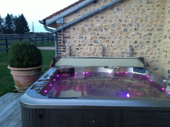 Tostes, Francia: Jacuzzi