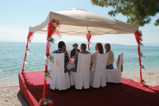 Wedding at the beach in front of Villa Andrea