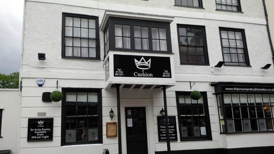 Crown And Cushion Inn