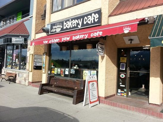 The Other Paw Bakery and Cafe: View from street