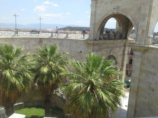 Bastione di Saint Remy: La porta d'accesso vista dal bastione