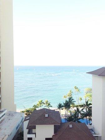 Waikiki Parc Hotel: バルコニーから見える海、8Fの部屋から。