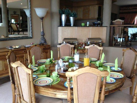 Xanadu Guest Villa: Dining