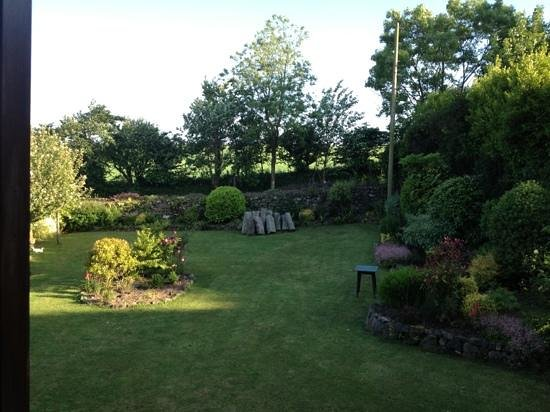 Bostrase Bed & Breakfast: garden