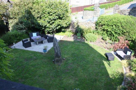 Ffynnon: View of garden from Annis