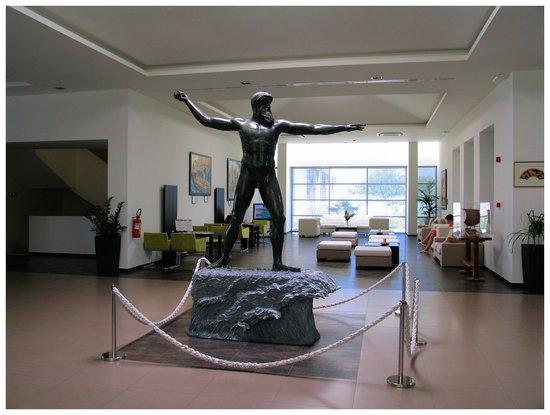 Int rieur de l 39 h tel picture of astir odysseus resort for Hotel interieur