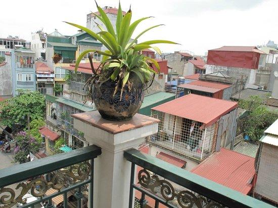 Little Hanoi Diamond Hotel : view from the balcony