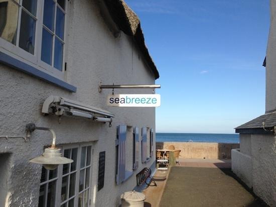 Seabreeze: perfect location