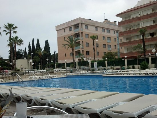 H·TOP Royal Beach: Really big pool