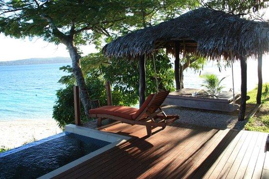 The Havannah, Vanuatu: pool & day beds on our verandah