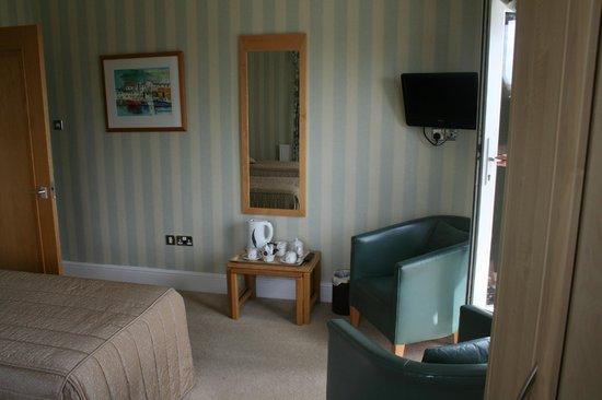 Trefeddian Hotel: bed room
