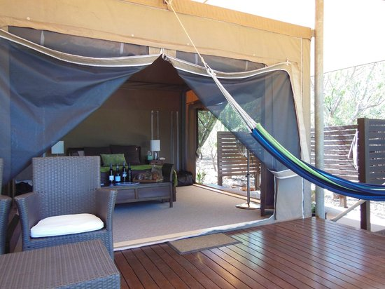 Coconutz Bed & Breakfast: glamping in style