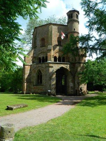 Erlebniszentrum Villeroy & Boch: Old Tower, erected in 989, the oldest sacred building in Saarland