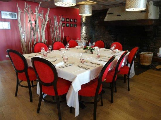 Au Site Normand Hotel-Restaurant : une partie de la salle à manger