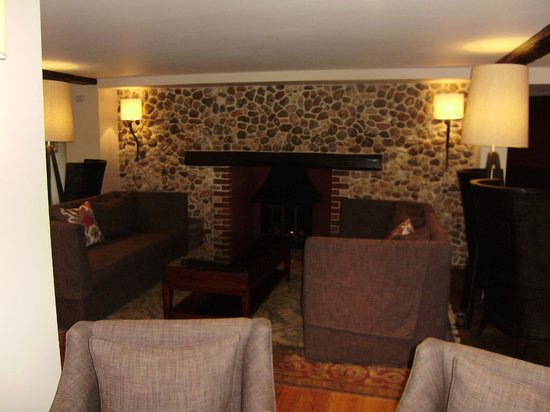 Barnham Broom: Hotel Lounge