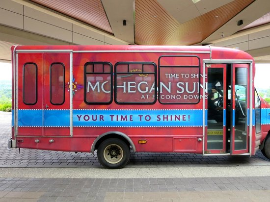 Mohegan Sun Pocono : By the time we turned the car off, the bus was waiting behind our car to take us to the casino.