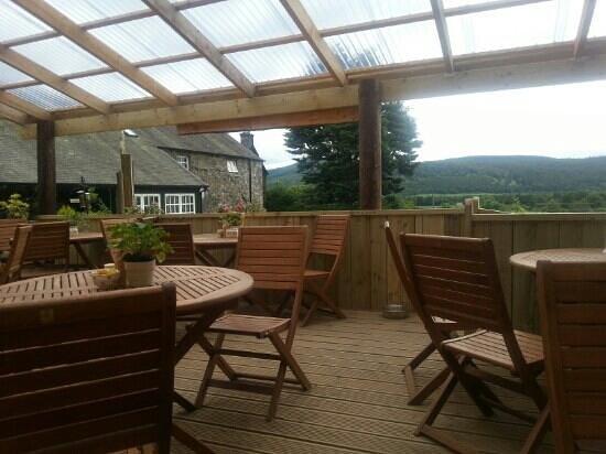 The Tea Garden at Comrie Croft: Comrie Croft tea garden . It's so pretty!