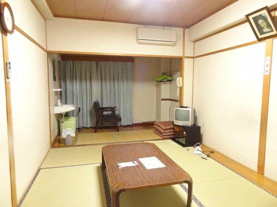 Nagasaki Catholic Center: The large Tatami room