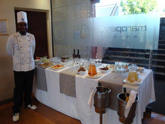 Maropeng Boutique Hotel: Empfangsbuffet zum Event