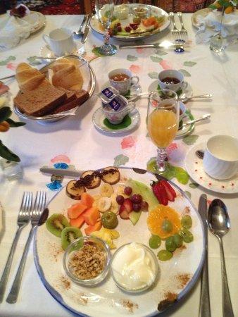 Die Gat Guest House: The Breakfast starter plate!!