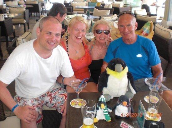 Pingouino Cafe: Fun with the penguins! :)