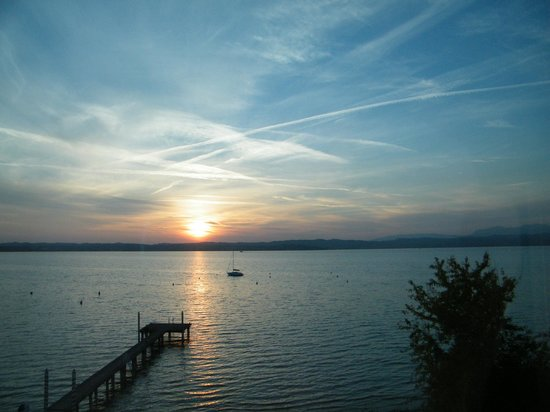 Hotel Du Lac: Sunset from the balcony