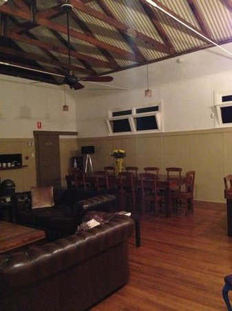 Tuck Inn Yarra Valley: Beautiful comfortable lounge