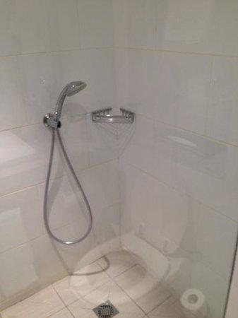 Isrotel Agamim: shower