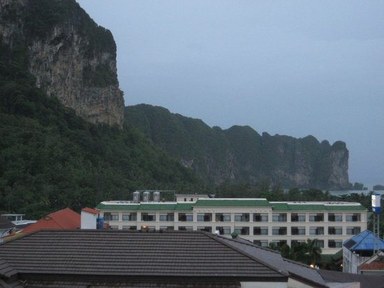 Amorn Mansion: the cliffs at Krabi